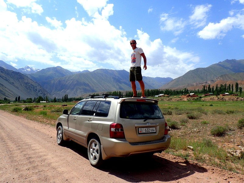 Viaggio on the road in 4x4 in Kirghizistan